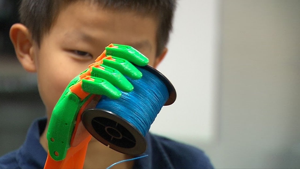 Embedded thumbnail for UTA FabLab produces prosthetic arm for 8-year-old boy